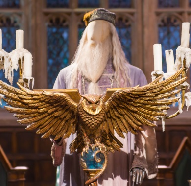 photo of dumbledore figurine mobile