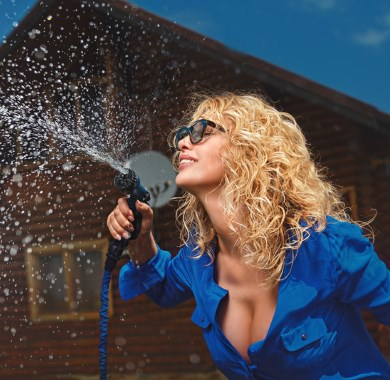 squirting from hose mobile