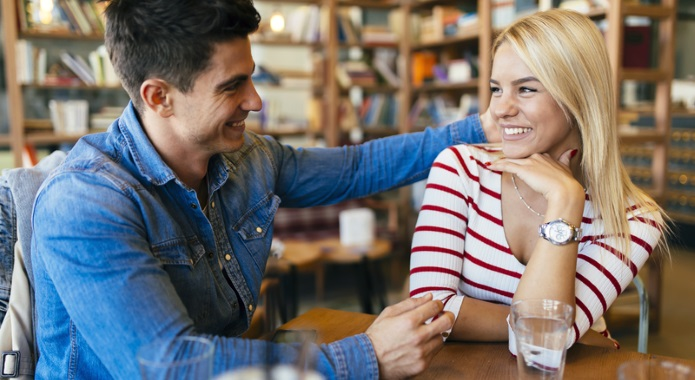 couple flirting in bar desktop