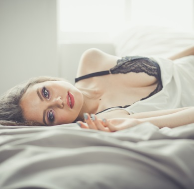 sensual girl on bed mobile